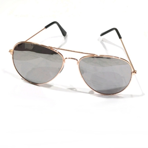 bd713f675c4 Mirrored Aviator Sunglasses w  protective pouch
